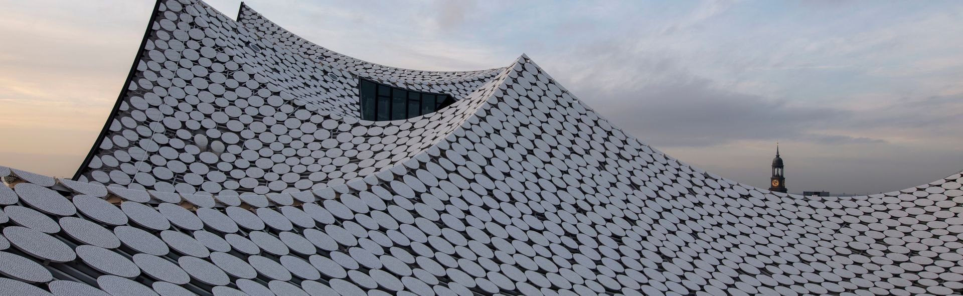 Roof-PIN auf Elbphilharmonie Dach